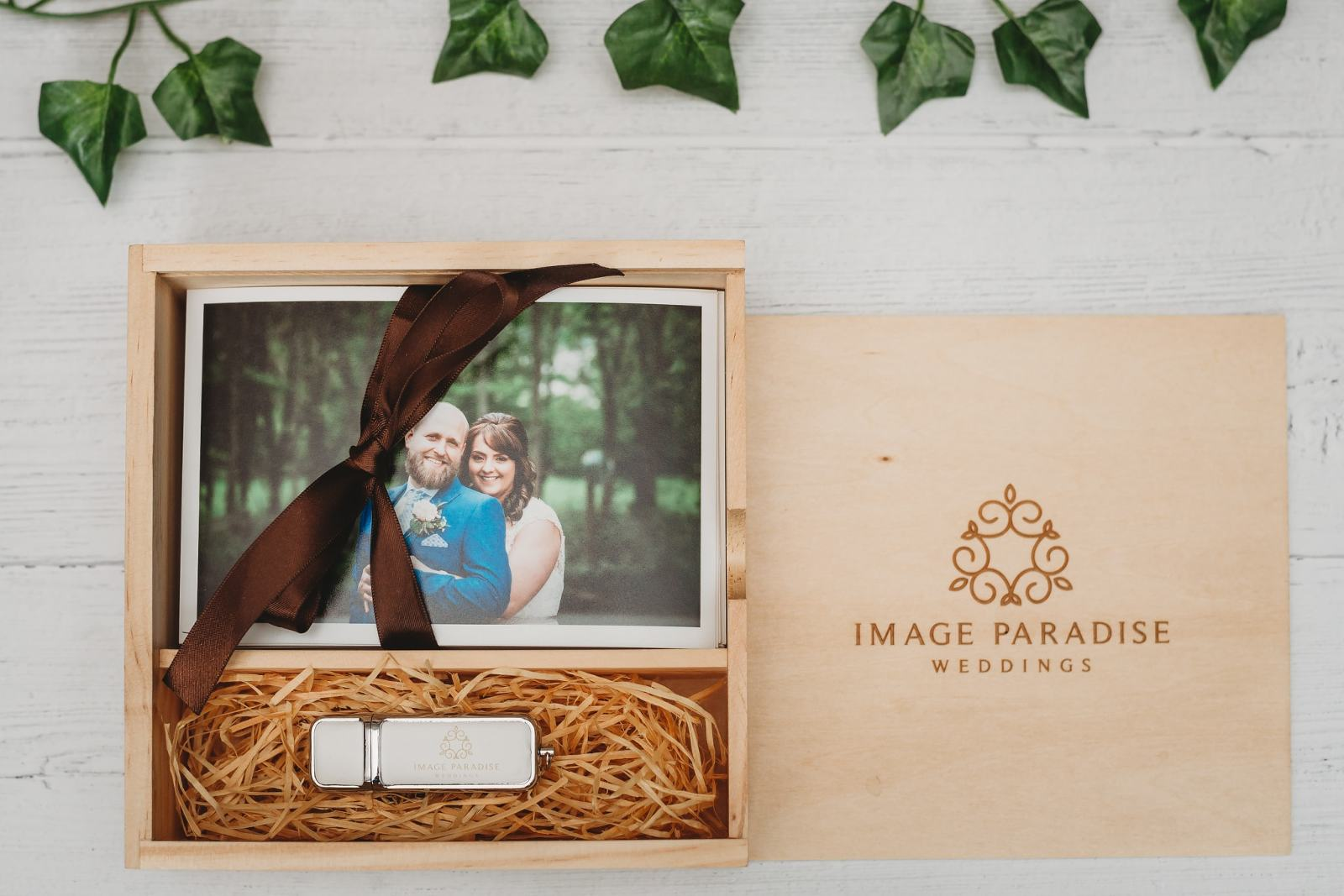Wooden USB box with prints
